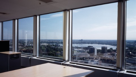 EMPORIO Hamburg offers spectacular views and high-quality spaces.
