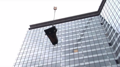 Video-preview-image: Fazil Say plays piano on top of EMPORIO Tower.