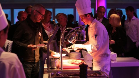 Bild 6: High class culinary delights at EMPORIO Hamburg's opening celebration.